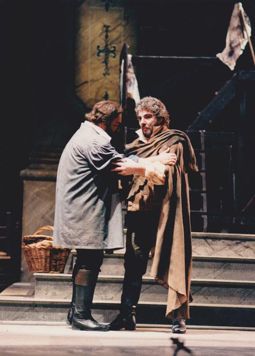 Tosca, Teatro di San Carlo con Pavarotti, Pons e Kaba Ivanska. Direttore Daniel Oren
